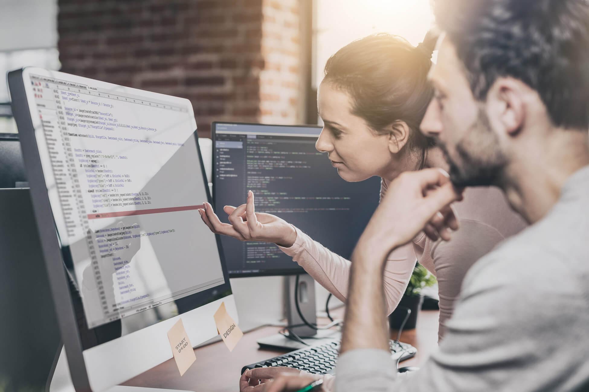 Duel Digital staff reviewing website back links